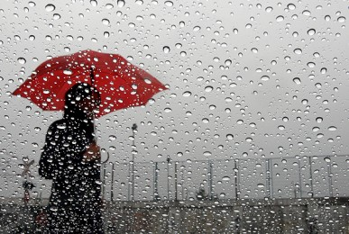 soc3b1ar-con-lluvia